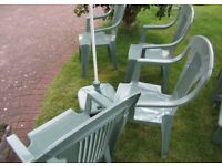 Genuine Keter quality garden furniture comprises 4 sturdy chairs, classic lounger with .....