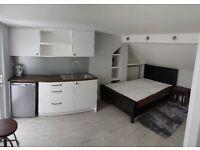 studio with en suite
