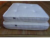 Luxury Pet's Bed (2 Sizes 80cm x 80cm Pocket Sprung & 80cm x 40cm Foam)