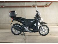 Yamaha Xenter 124cc scooter, 1 owner, serviced, garaged, extras, low mileage, mint