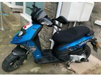 Piaggio typhoon scooter 125 cc