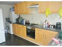 FANTASTIC DOUBLE ROOM IN EAST ACTON - MOMENTS FROM TUBE - ALL BILLS INCLUDED - MUST SEE