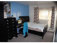 Three bedroom flat in Southsea