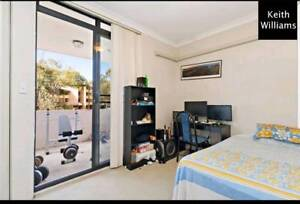 TWO BEDROOMS IN LARGE WESTMEAD APARTMENT FOR RENT