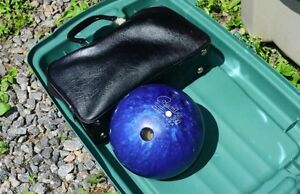 10 pin bowling ball with leather carrying bag