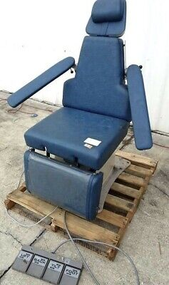 Realiance 230dmi Exam Chair W Footswitch