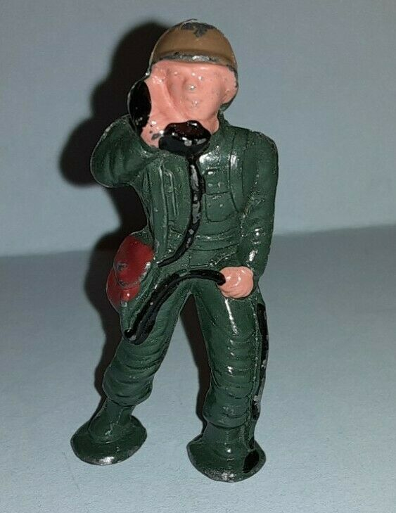 """Podfoot """"MIDI"""" Soldier with Field Phone. Barclay Manoil lead toy.  SCARCE"""