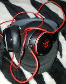 Beats by Dre Solo On-Ear Headphones Black & Red Edition.