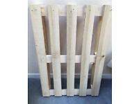 Wooden pallets x5