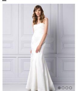 Wedding Dress (Never been worn)