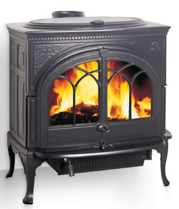 Jotul F600 Wood Stove- Perfect With Pipes and  SS Chimney