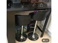 Breakfast Bar & 2 swivel chairs