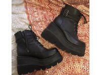 Black platform flatform stomper boots size 7