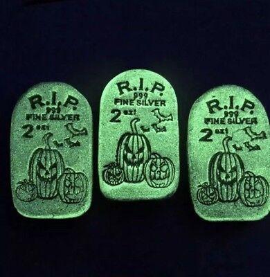 🎃#12 RIP Tombstone Glow In Dark Jack-O-Lantern 2oz 999 Silver Bar MPM Halloween - Bar Sinister Halloween