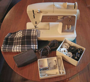 Singer Golden Touch and Sew - Free Arm sewing machine