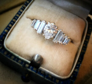 Diamond Ring, Stunning appraised at $9700... selling for $4800.