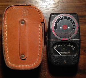 VINTAGE 1950's G.E. TYPE DW-68 EXPOSURE METER GENERAL ELECTRIC
