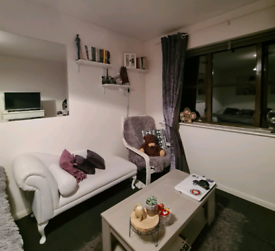 White Leather Chaise Lounge Sofa