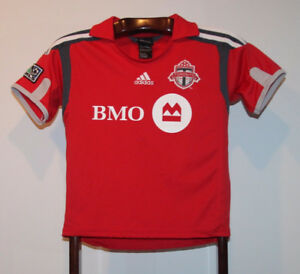 Brand NEW old stock Home Toronto FC BMO Jersey red sewn patches