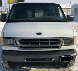 2002 WHITE FORD E150 CARGO VAN