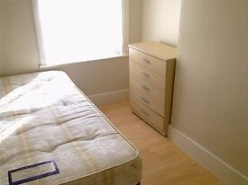 £125pw Double room available in west Green rd /Haringey