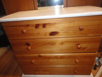 A NICE WHITE PAINTED PINE CHEST OF 4 DRAWS