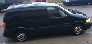 Green Pontic Sport Minivan