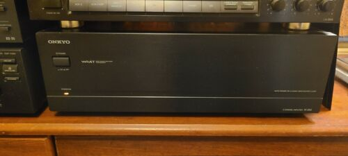 ONKYO M-282, 2 CHANNEL AMP in beautiful condition