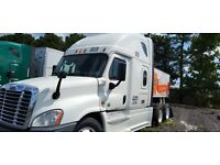 2015 White Freightliner Cascadia For Sale MINT CONDITION