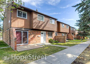 3 Bedroom Townhouse for Rent in Southwood: Pet Friendly