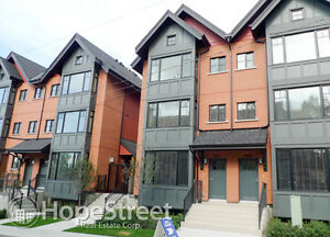 *Special Offer* 3 Br Underground Parking Townhouse in Bankview