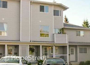 2 Bedroom Townhouse in Shawnessy. Pets Negotiable