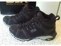 Hiking Boots DLX