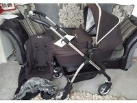 Silver Cross Wayfarer in black travel system, pram, pushchair. Parent facing