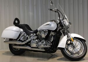 2008 Honda VTX1300 VTX 1300  LOADED WITH OPTIONS
