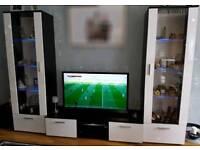 Tv unit shelves