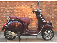 Piaggio VESPA GTV 300, Excellent condition in shiny maroon