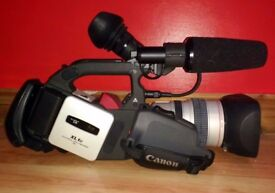 Canon XL1S Camcorder with 16x lens, hard case, tapes and extra acessories - Very Good Condition.
