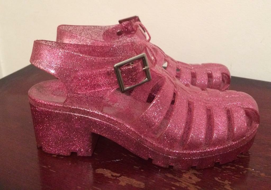f3c5d6c680c4 Women s pink glitter jelly shoes size 5 6