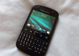 Blackberry 9720 - Black - (O2) - Very Good Condition