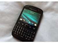 Blackberry 9720 - Black - (O2) - Very Good Condition