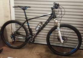 "Cube Ltd Pro 20"" Frame 27.5"" Wheel Mountain Bike (Only used once) Immaculate condition"
