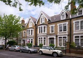 Charming 1 Bedroom Apartment - Moments from Chiswick High Road!