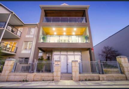 Luxury WaterFront Appartment 3x2 Mindarie For Rent