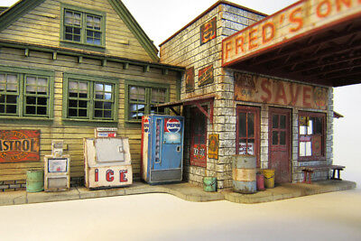 Ho Scale Convenience Store Accessories Kit By Showcase Miniatures  2323