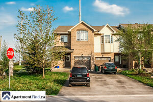 Stunning townhouse located in Orléans - July 1st