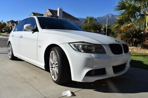 BMW 323i - Perfect Condition