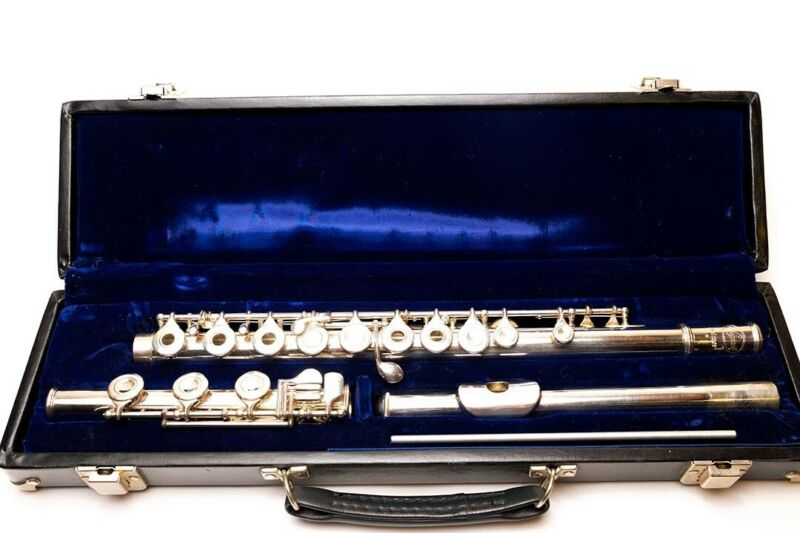 Selmer Signet Flute - Coin Silver - Open Hole w/plugs - late 1970s - very good