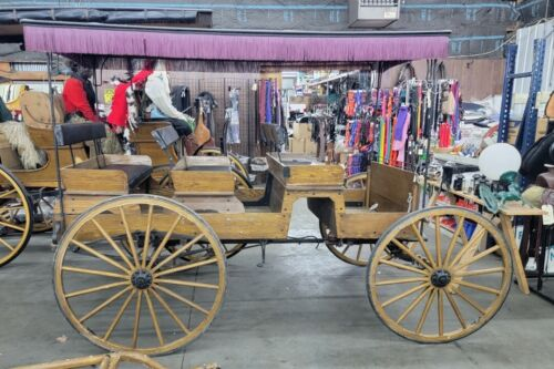 #108SED Pre-Owned Horse Drawn 3 seat surrey with removeable top