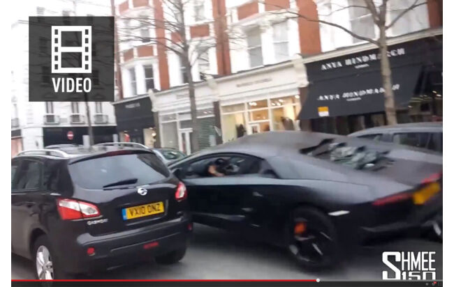 In London hob am Sonntag (30.03.2014) ein Lambo ab. Ein Youtube-Video zeigt den Crash